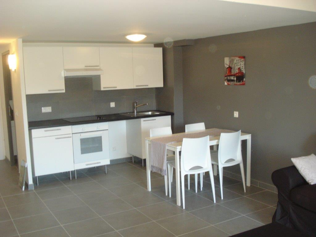 Appartement t2 3 avec terrasse appart h tel auriol for Location appartement bordeaux pellegrin t2